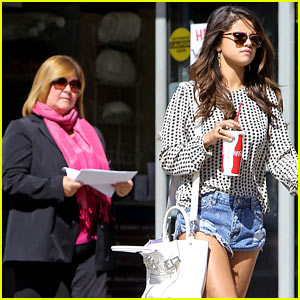 Selena Gomez Has Been Served with Legal Papers in L.A.