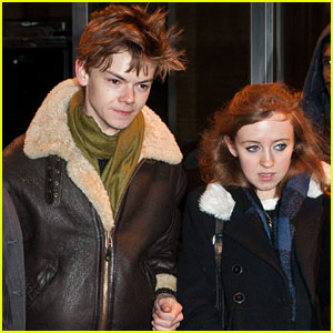 Thomas Brodie-Sangster: NYC Date Night with Girlfriend Isabella Melling