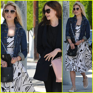 Dianna Agron Hangs Out with Pal Carey Mulligan!