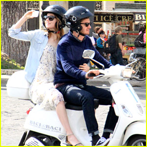 Emma Stone & Andrew Garfield Play Tourists in Rome