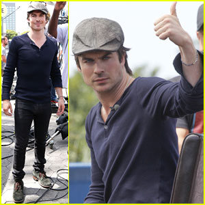 Ian Somerhalder is Fan-Friendly at 'Extra'