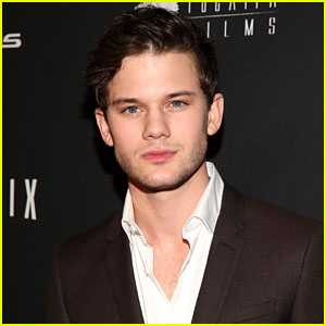 Jeremy Irvine to Star in Upcoming Movie 'Stonewall'!