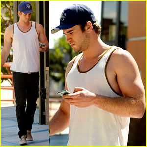 Liam Hemsworth Gives Us a Gun Show in His Tank Top!