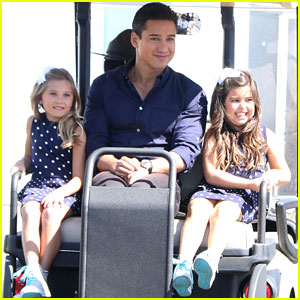 Sophia Grace & Rosie Are Golf Cart Cuties at 'Extra'