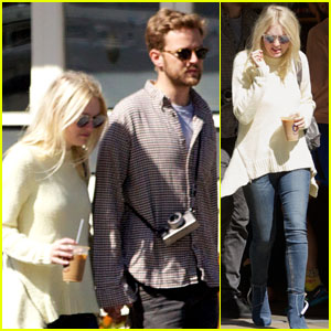 Dakota Fanning Reunites With Boyfriend Jamie Strachan After Returning to NYC