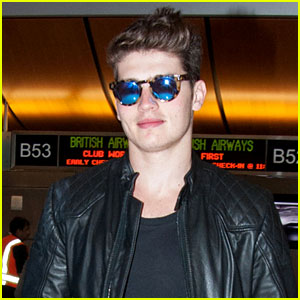 Gregg Sulkin to Star in the Upcoming Horror Film 'Don't Hang Up'