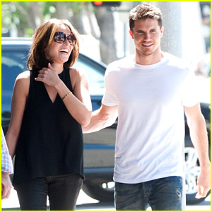 Italia Ricci & Robbie Amell Meet Up For A Mid-Week Lunch Date!