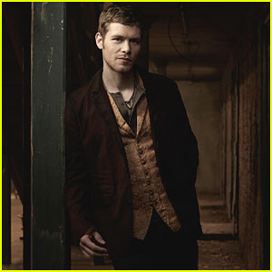 The Originals' Joseph Morgan on Klaus Coming to Terms with Fatherhood & More! (JJJ Interview)