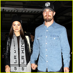 Stephen Amell 'Destroyed Mother's Day' & Wants An Equally Awesome Father's Day!