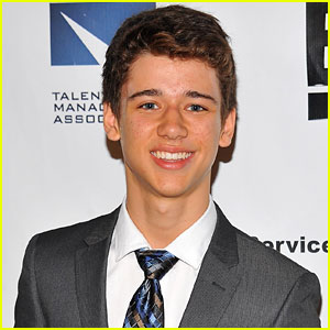 Uriah Shelton Joins 'Girl Meets World' as Cory's Younger Brother!