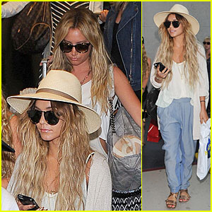Vanessa Hudgens & Ashley Tisdale Fly Back to L.A. After Bachelorette Weekend!