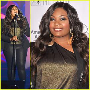 Candice Glover Performs at Songwriters Fall of Fame Induction Awards 2014
