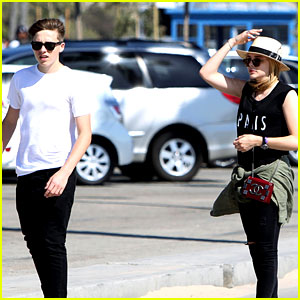 Chloe Moretz & Brooklyn Beckham Went Skateboarding This Weekend!