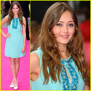 Ella Purnell Is 'Walking On Sunshine' at UK Premiere