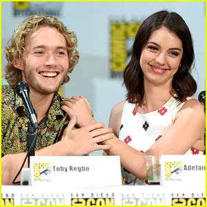 Adelaide Kane & Toby Regbo Are In Full On Adorable Mode at Reign's Comic Con 2014 Panel