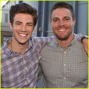 This Picture of Grant Gustin & Stephen Amell at Comic-Con 2014 - We Mean The Flash & Arrow Will Make Your Day