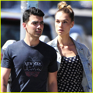 Joe Jonas Shows Off His Dribbling Skills Before USA World Cup Loss (Video)