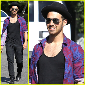 Joe Jonas Goes Hawaiian at The Grove!