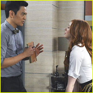 There Are New Pics of Karen Gillan in ABC's 'Selfie' - See Them Here!