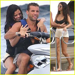 Selena Gomez Celebrates 22 with Jet Skis & Parasailing!