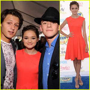 Red Band Society's Ciara Bravo & Charlie Rowe Hit Teen Choice Awards 2014 with Nolan A. Sotillo