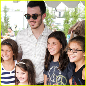 Kevin Jonas Meets His Young Fans at Hambeltonian 2014!