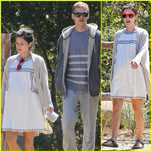Rachel Bilson Takes a Birthday Walk with Hayden Christensen