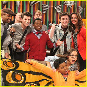Rixton To Guest Star on 'Haunted Hathaways' This Weekend + WIN Show Props!