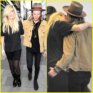 Ellie Goulding & Boyfriend Dougie Poynter Pack on the PDA!