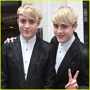 Jedward React To Nabbing #1 Spot on iTunes Music Video Charts