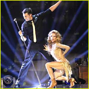 Jonathan Bennett & Allison Holker Make Us 'Sing' To Their Cha Cha on DWTS - See The Pics!