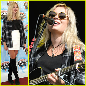 Nina Nesbitt Names New Custom Guitar Wednesday Addams