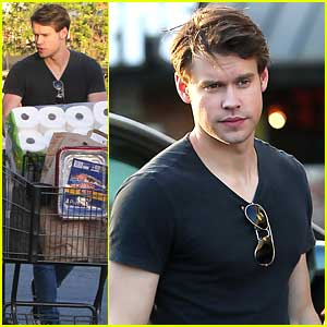 Chord Overstreet Picks Up Groceries Before Dodgers Game