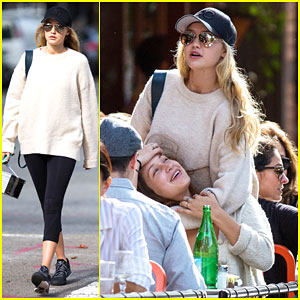 Gigi Hadid & Sister Bella Look So Happy to See Each Other!