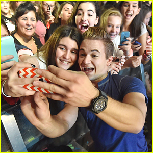 Hunter Hayes Makes Sure 'Every Moment Counts' At Tour Kick Off