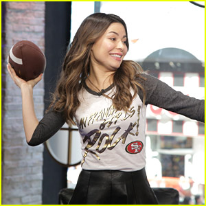 Miranda Cosgrove Makes Nick Lachey Work For Cincinnati Bengals Jersey