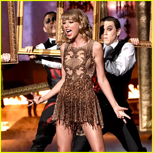 Taylor Swift Performs 'Blank Space' for First Time at AMAs 2014! (Video)