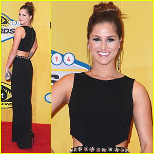 Cassadee Pope Races Off To Vegas For NASCAR Sprint Cup Series Awards