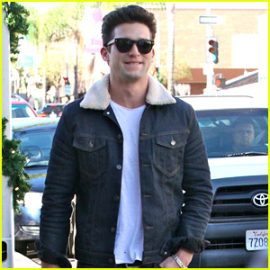 Who Knew? Daren Kagasoff is Afraid of Flying!