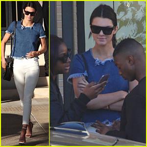 Kendall Jenner & BFF Shamari Maurice Go Post-Christmas Shopping Together!