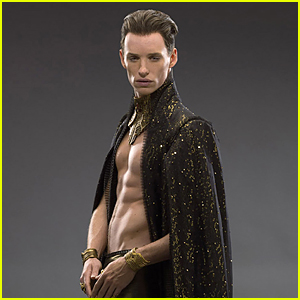 Shirtless Eddie Redmayne Flashes Impressive Abs For  'Jupiter Ascending'