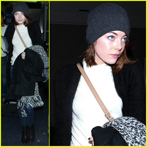 Emma Stone Touches Down at LAX Ahead of Golden Globes 2015