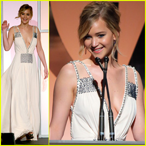 Jennifer Lawrence Jokes During PGA Speech: 'The Hunger Games' Was a Giant Failure! (Video)