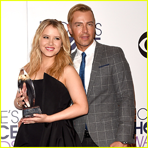 Taylor Spreitler: 'Melissa and Joey' Wins Favorite TV Cable Comedy at People's Choice Awards!