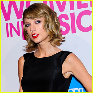Taylor Swift Returns to Twitter After Being Hacked!