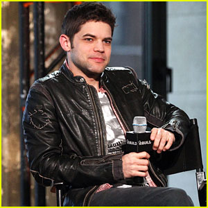 The Last Five Years' Jeremy Jordan Shows Off His Pipes on 'Over the Rainbow' - Watch Here!