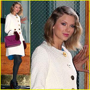 Taylor Swift Puts 'Wonderland' & Other Bonus Tracks on iTunes