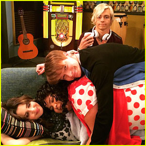 Switched At Birth's D.W. Moffett Directs 'Austin & Ally' - See The Cute Cast Pics!