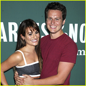 Lea Michele & BFF Jonathan Groff Duet on 'Listen to Your Heart'!