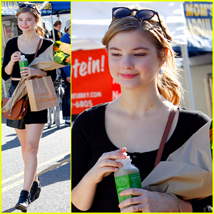 Stefanie Scott Shares Gorgeous Photo From Her Hike!